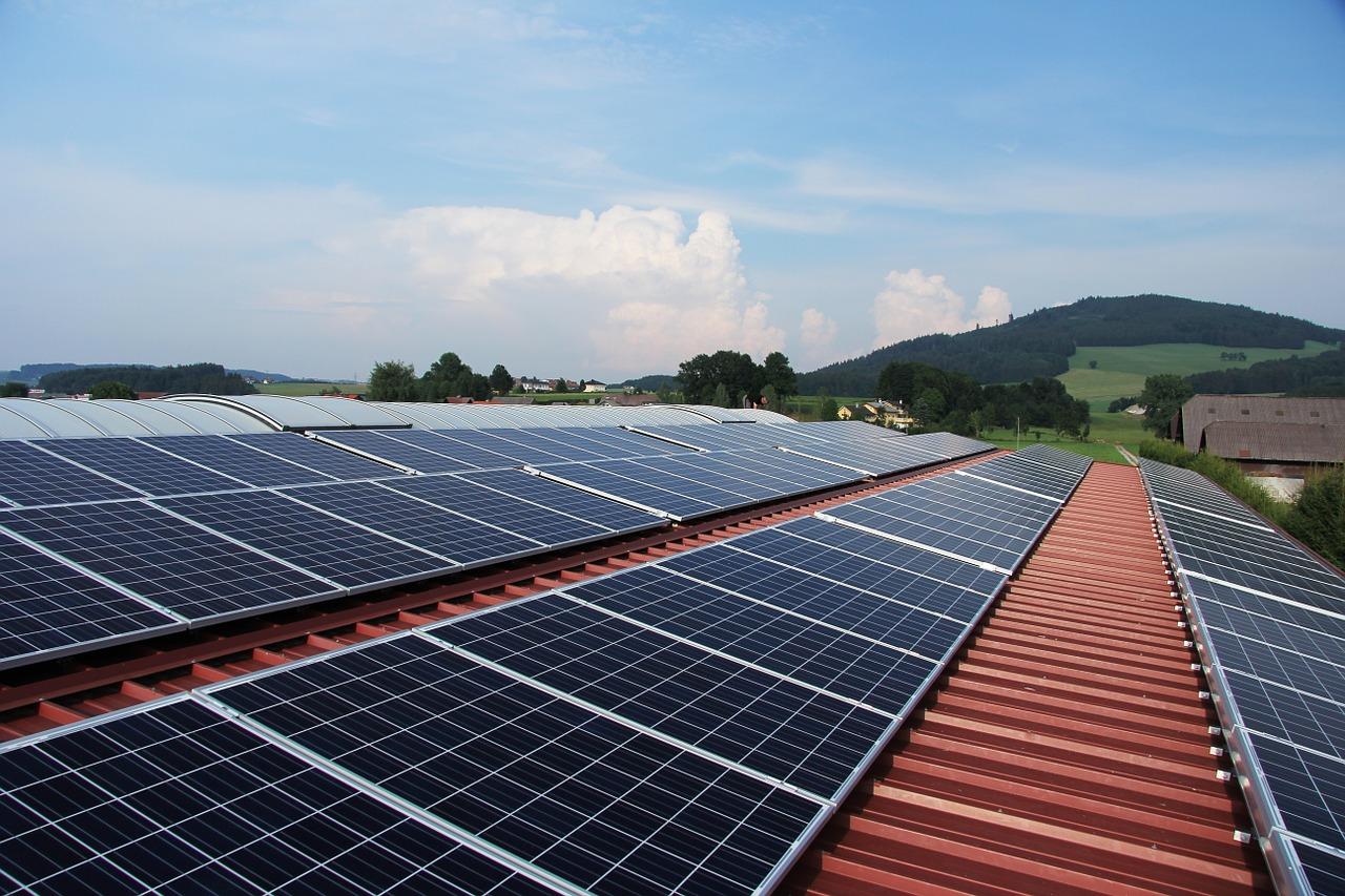 Solarenergie-Vorteile-Gewerbe-bild